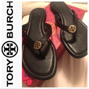 Tory Burch Pearce Thong - NWT